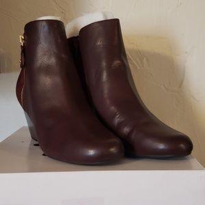 Isaac Mizrahi boots 9 wide